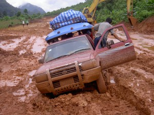truck-stuck-in-the-mud-1433956